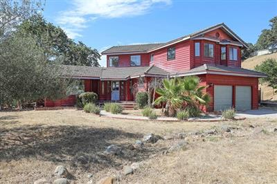 New 4 Beds 4 Baths Single Family Listing in Atascadero!
